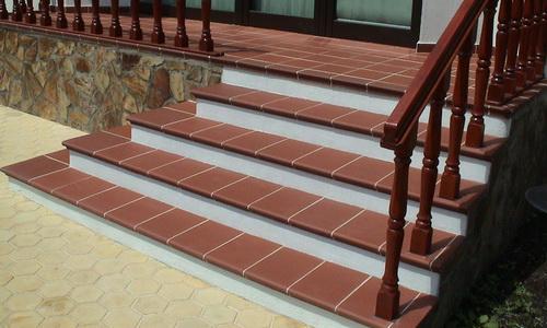 Лестница из клинкерных ступеней